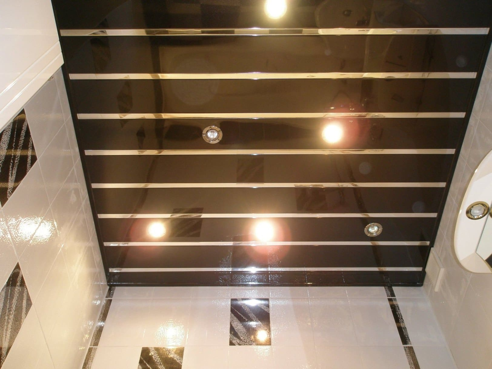 Lambris pvc plafond accessoires limoges prix travaux for Prix lambris pvc plafond
